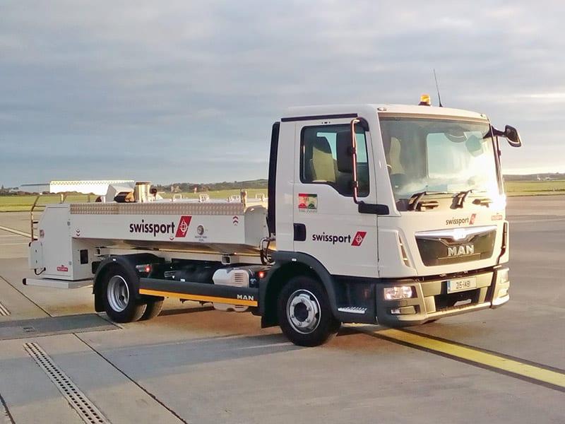 airport toilet service trucks
